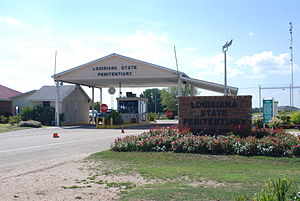 English: Louisiana State Penitentiary entrance...