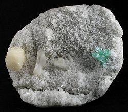 Apophyllite-(KF)-Stilbite-Ca-Heulandite-Ca-226327