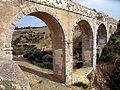 Aqueduc de Zaghouan, pont sur l'oued Kharroubat Mchennga.JPG
