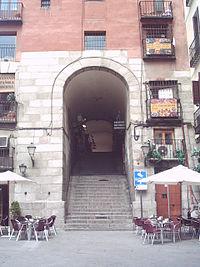 Arco de Cuchilleros.