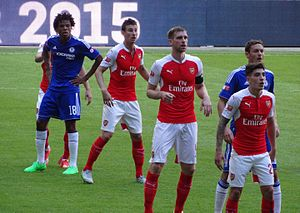 2015 FA Community Shield - Chelsea's Loïc Rémy and Nemanja Matić and the Arsenal defence