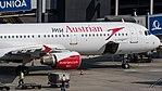 Austrian Airlines Airbus A321 OE-LBC (35086375875).jpg