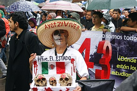 Demonstration on September 26, 2015, in the first anniversary of the disappearance of the 43 students in the Mexican town of Iguala Ayotz1napa ohs202.jpg