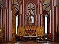 Bad Doberan, Münster, Blick in den Chor mit Hochaltarretabel und Sakramentsturm 10 edit.jpg