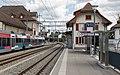Bahnhof Täuffelen und Betriebsgebäude.jpg