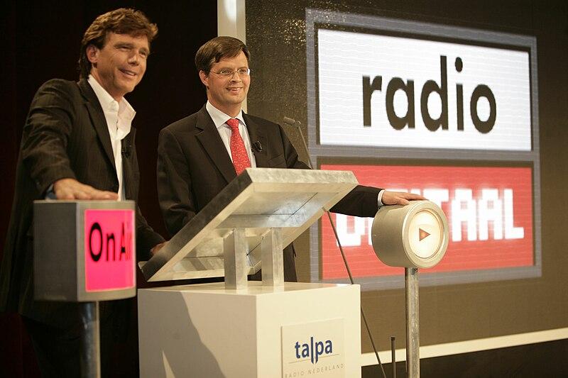 Bestand:Balkenende en John de Mol jr.jpg