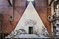 Basilica di Santa Maria dei Frari interno - Monumento di Canova.jpg