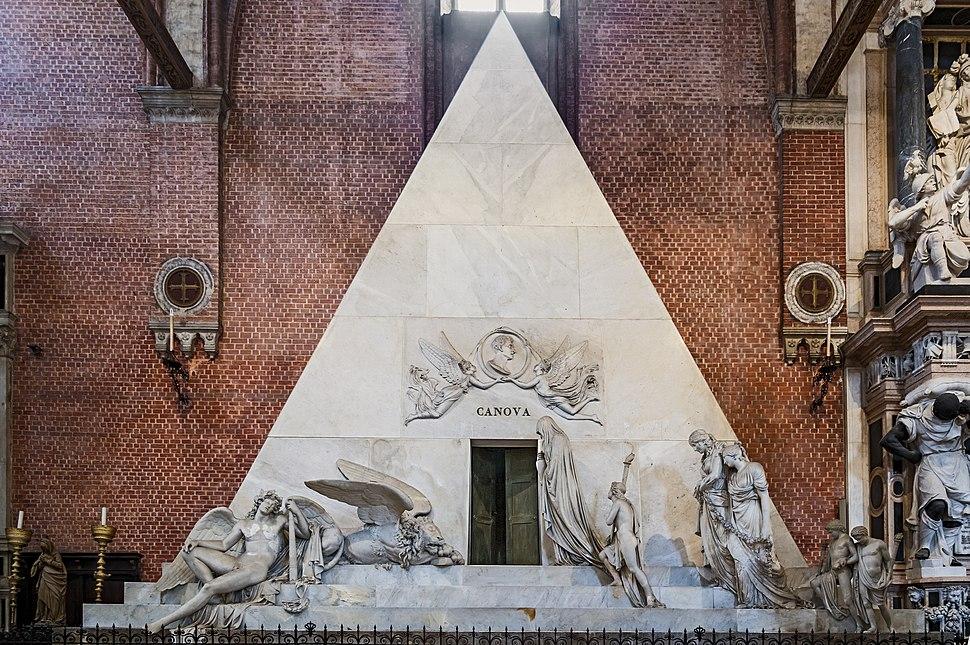 Basilica di Santa Maria dei Frari interno - Monumento di Canova