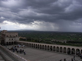 Basilica of San Francesco d'Assisi clouds 2.jpg