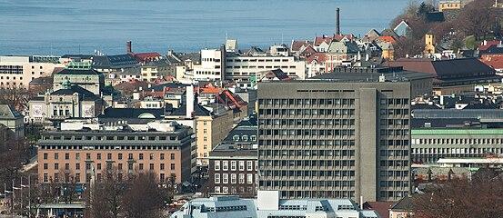 Bergen city centre April4 09.jpg