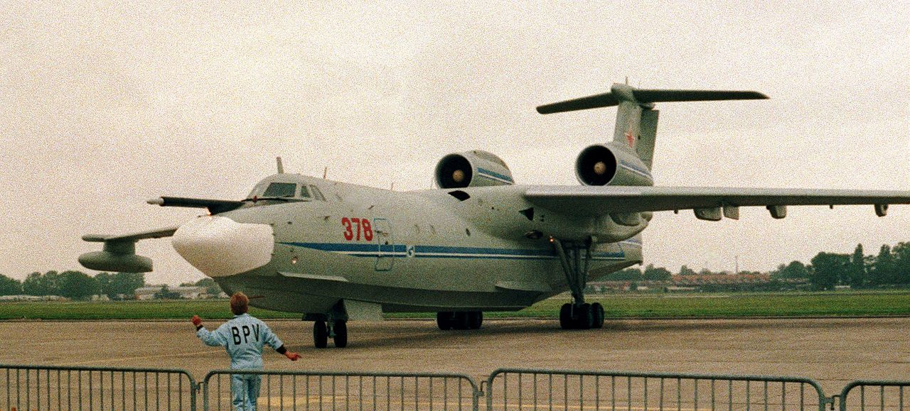 https://upload.wikimedia.org/wikipedia/commons/thumb/f/ff/Beriev_Be-42_Albatros_A-40_front_LH.jpg/1280px-Beriev_Be-42_Albatros_A-40_front_LH.jpg