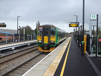 Bermuda Park railway station - Southbound Class 153 service calls soon after opening in January 2016