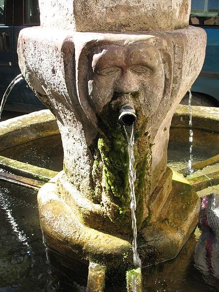 Fountain in rue de l'Abreuvoir - Besse sur Issole - Var - France