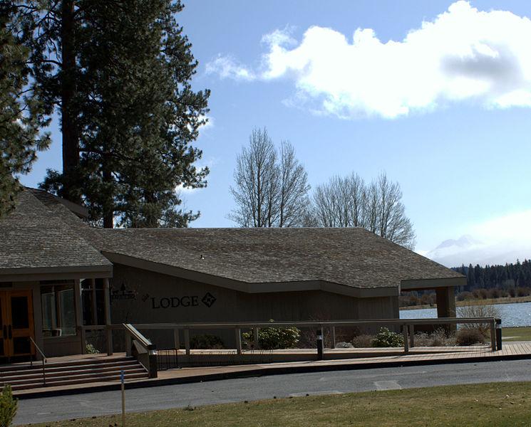 File:Black Butte Ranch lodge and Mount Bachelor - Black Butte Ranch Oregon.jpg