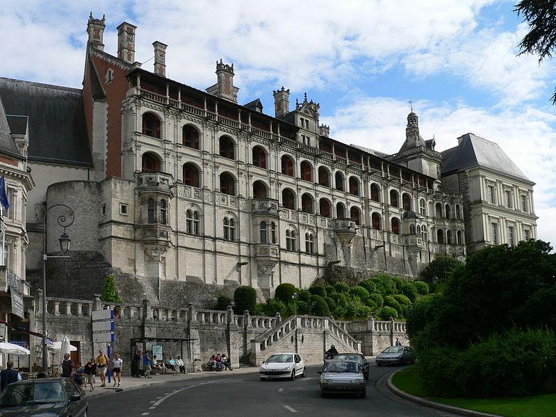 800px-Blois.schloss.jpg