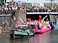 Boat 19 Ou(d)t & Proud, Canal Parade Amsterdam 2017 foto 2.JPG
