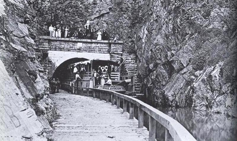 Boat in Paw Paw Tunnel