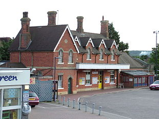 "<a href=""http://search.lycos.com/web/?_z=0&q=%22Borough%20Green%20%26%20Wrotham%20railway%20station%22"">Borough Green & Wrotham railway station</a>"