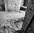 Boven doorgebroken zuidmuur van de westelijke uitbreiding - Batenburg - 20028351 - RCE.jpg