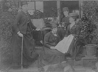 Seton Montolieu Montgomerie - Image: Bronwen Peers Williams and her sisters