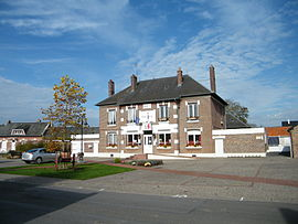 The town hall in Brouchy