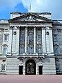 Buckingham Palace balcony (2).jpg