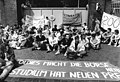 Bundesarchiv Bild 183-1990-0522-032, Leipzig, Studenten fordern Wohnheime.jpg