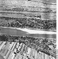 Bundesarchiv Bild 195-2245, Rheinbefliegung, Istein.jpg