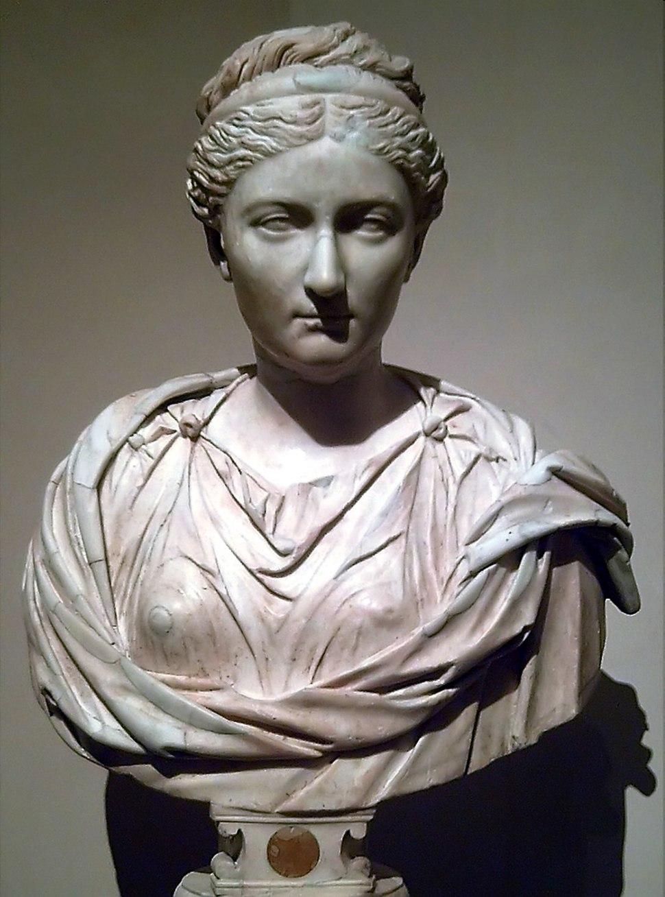 Busto de Vibia Sabina (M. Prado) 01