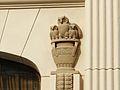 Bydgoszcz-dawny Dom Towarowy,ozdoby figuralne-sowy.JPG
