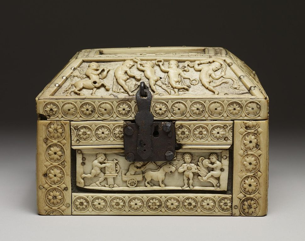Byzantine - Casket with Images of Cupids - Walters 71298