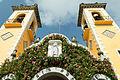 Campanarios y portada de la parroquia.jpg