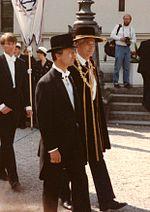 Kong Carl XVI Gustaf iført doktorhat i sin egenskab af æresdoktor ved Lunds universitet.