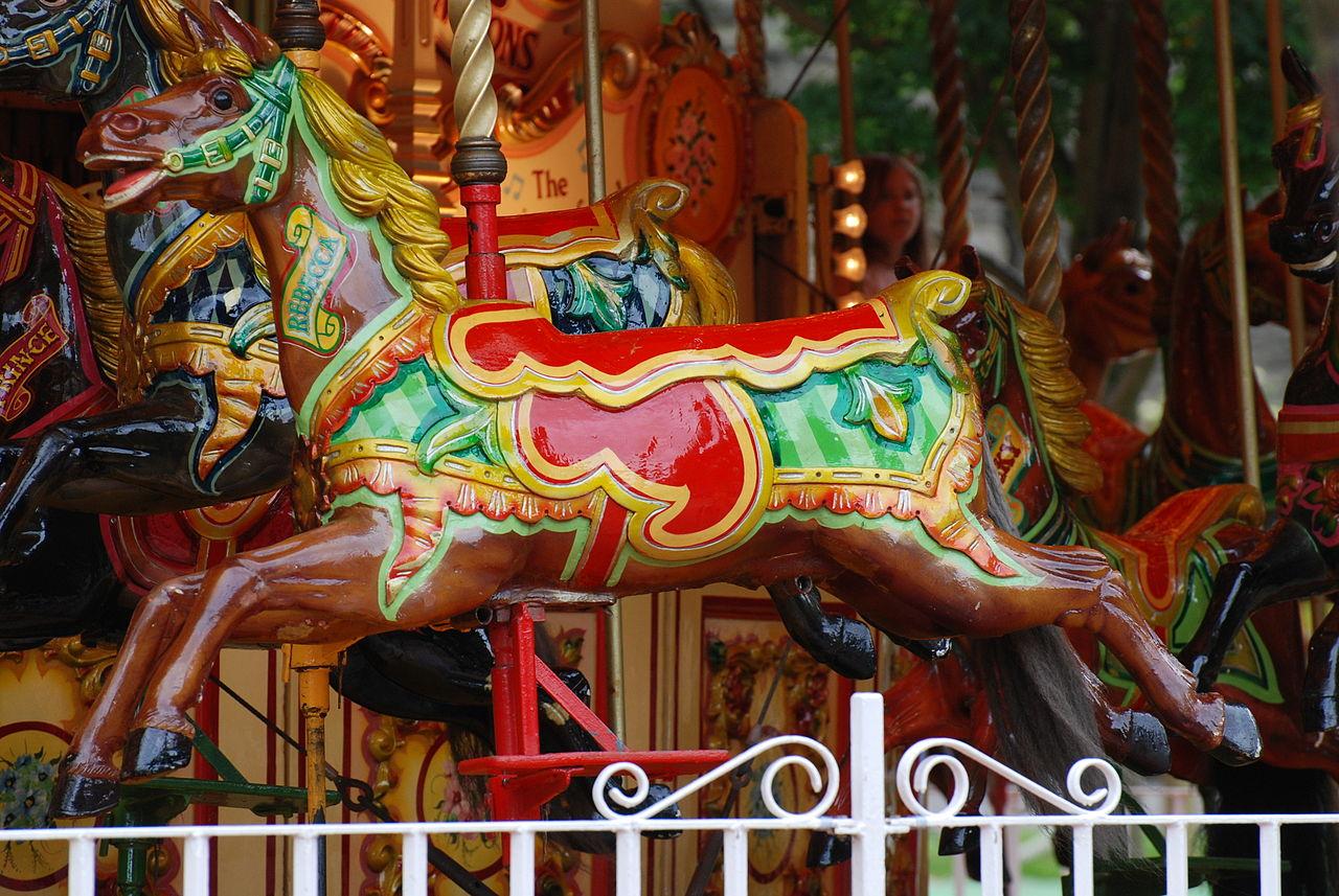 File:Carousel Horse, Princes Street Gardens, Edinburgh.jpg ...