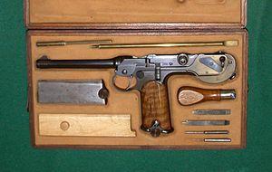 Borchardt C-93 - Image: Cased Borchardt Pistol