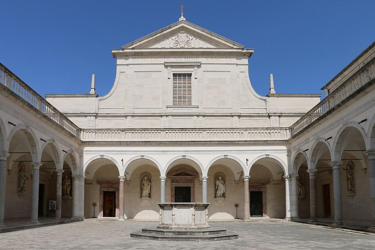 Cattedrale di santa maria assunta e san benedetto abate for Interno 7 cassino