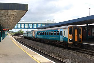 Neath railway station - Image: Castell Nedd Arriva 153367+143002