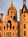 Castle of Schwerin, Statue of Niklot and golden cupola - panoramio.jpg