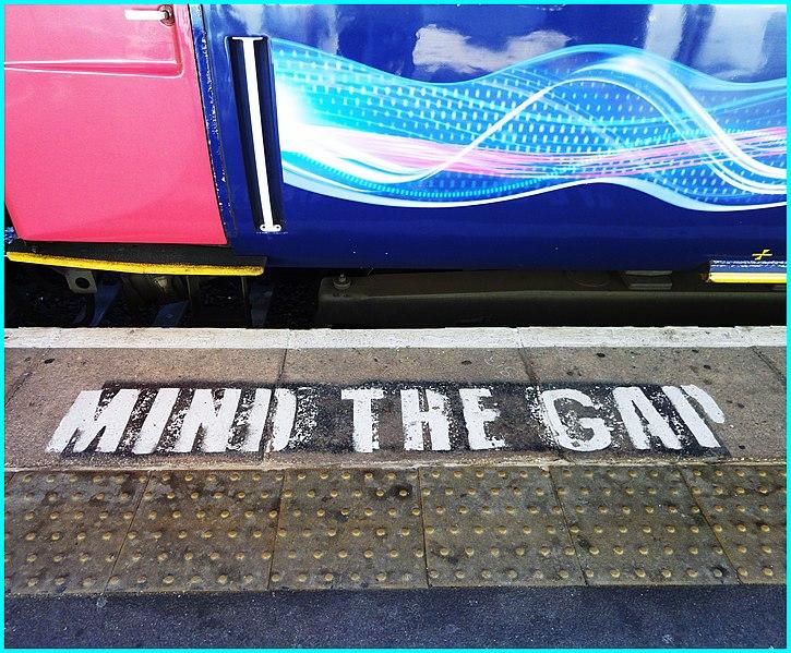File:Cheltenham Spa Station ... MIND THE GAP. (6191893794).jpg