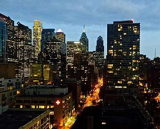 Chestnut Street (Philadelphia) - Image: Chestnut Street at Night