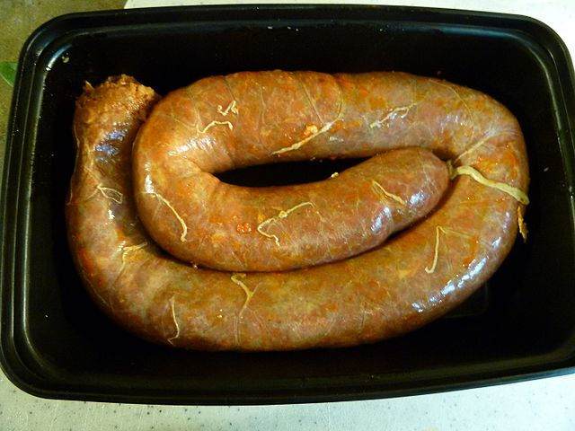 Chorizo By Jaydoo (Own work) [CC BY-SA 3.0 (https://creativecommons.org/licenses/by-sa/3.0)], via Wikimedia Commons