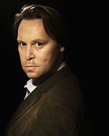 "Christian McKay as Grant Pierce (""Creditors"").jpg"
