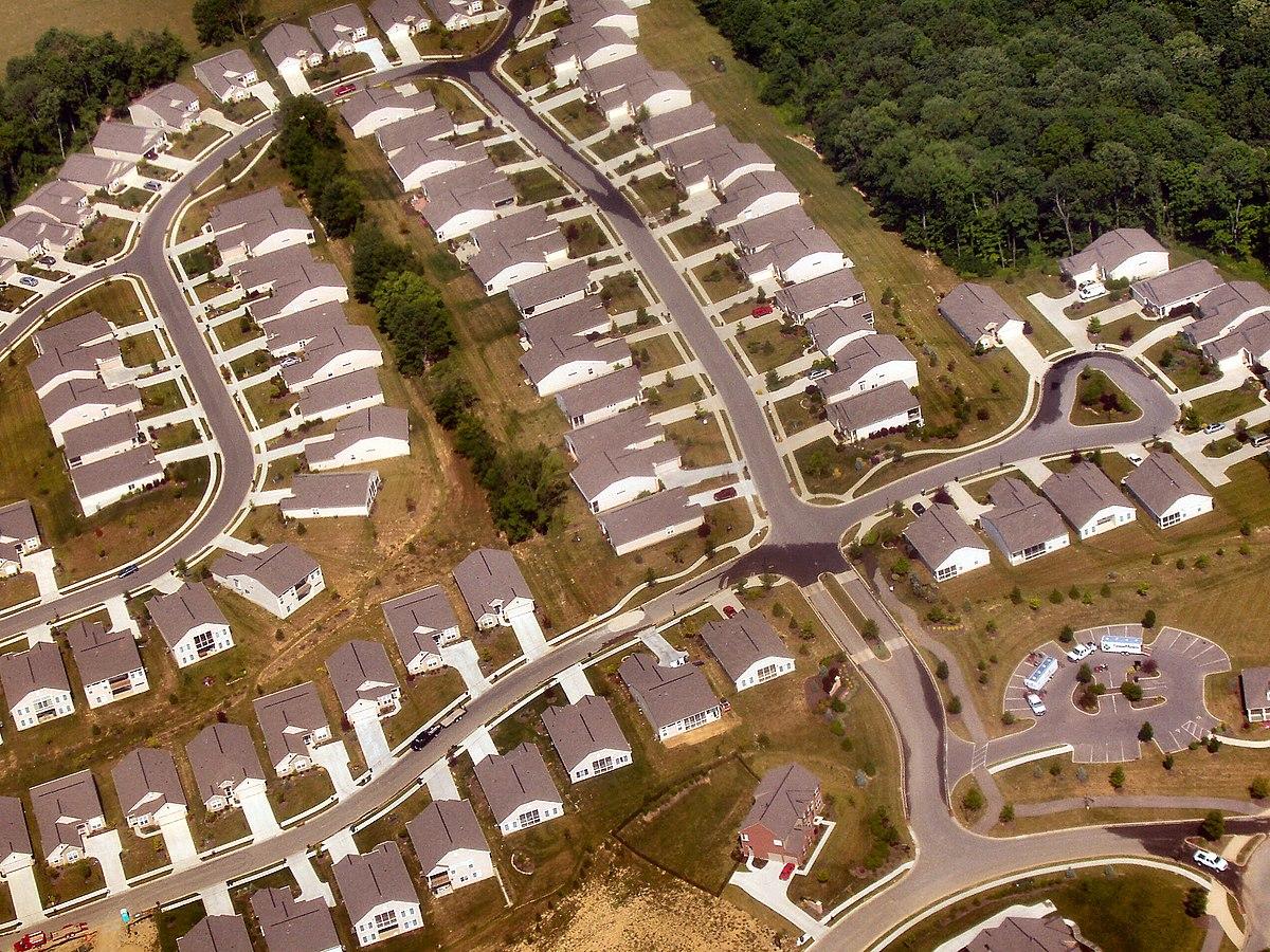 1200px-Cincinnati-suburbs-tract-housing.