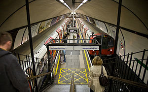 Island platform - Clapham Common station on the London Underground's Northern line