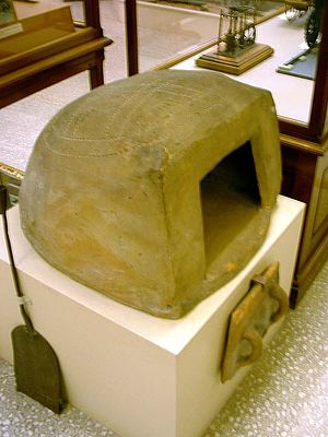 Clome oven - Clome oven in the Royal Cornwall Museum, Truro