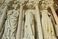 Collégiale de Candes Saint-Martin statues du portail nord.jpg