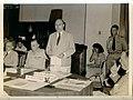 Collectie NMvWereldculturen, TM-33000033, Foto- Onderhandelingen tussen Nederlandse en Indonesische delegaties in het huis van de Britse consul-generaal, NIGIS, 07-10-1946.jpg