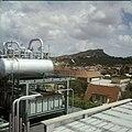 Collectie Nationaal Museum van Wereldculturen TM-20029852 Condensatieketels van 's Landswatervoorziening Curacao Boy Lawson (Fotograaf).jpg