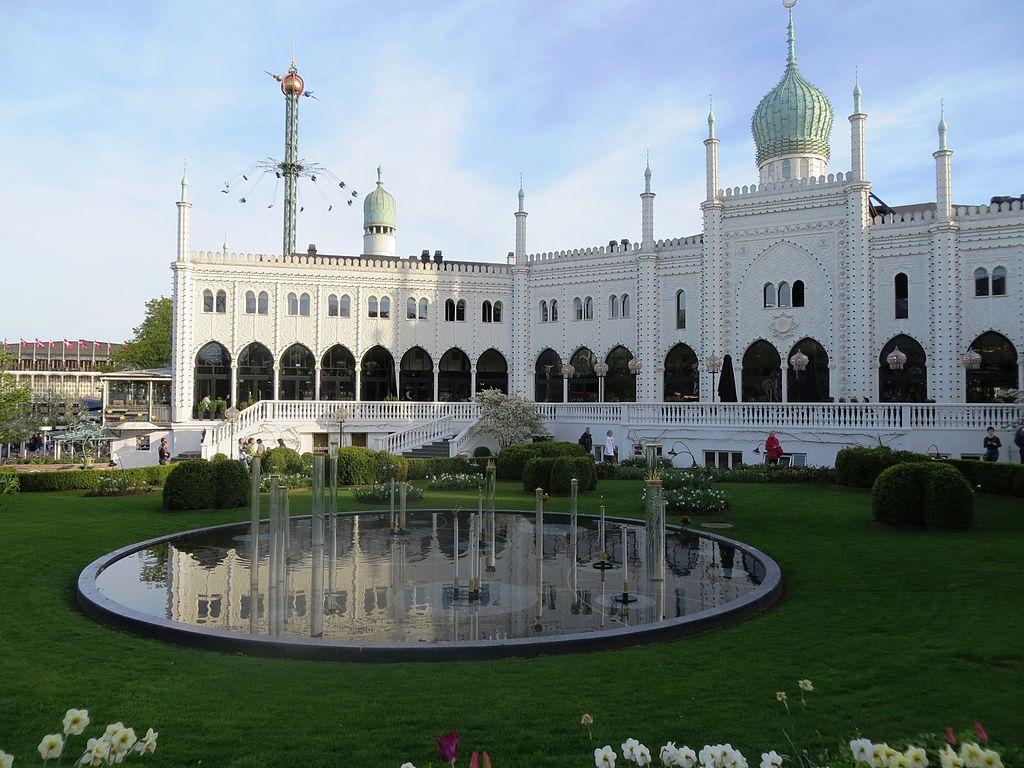 La magie de l'Orient dans le parc de Tivoli à Copenhague.