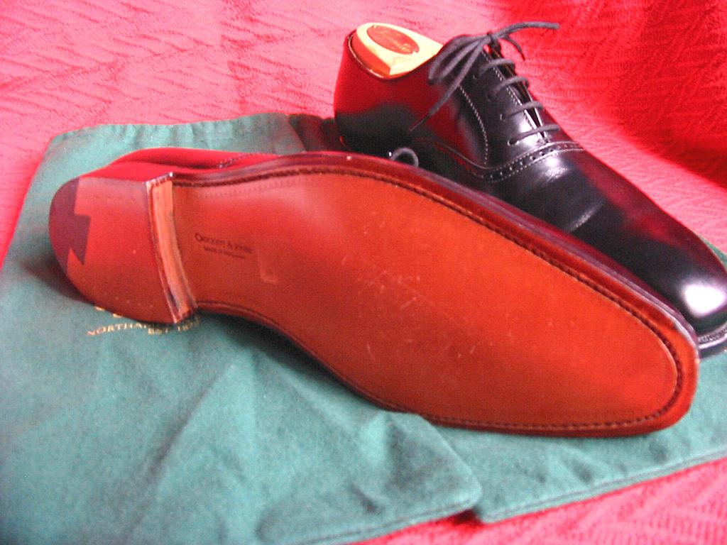 Jones Black Shoes
